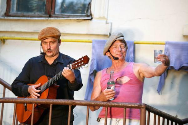 Спектакль песни нашего двора театра у никитских ворот (россия, москва) фото
