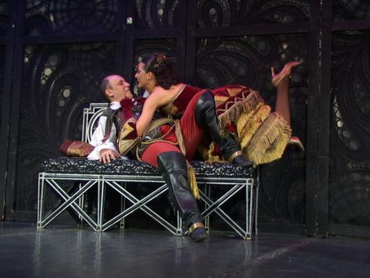 алла михеева видео в спектакле театра буфф смотреть