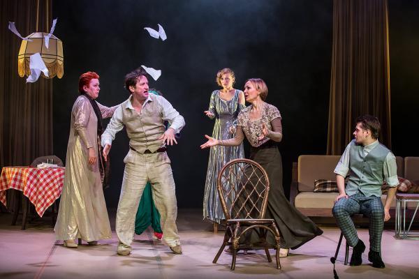 Театр сатирикон билеты студентам музей им пушкина стоимость билета